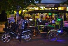 Tuk-Tuk chaufför av Cambodja Royaltyfri Foto