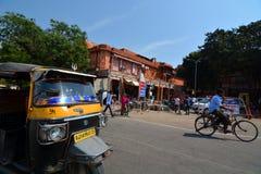 Tuk tuk (eller auto rickshaws) jaipur Rajasthan india Arkivfoto