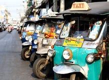 Tuk-tuk Fahrzeug von Thailand lizenzfreie stockfotos