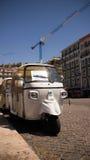 Tuk Tuk på Praça da Figueira Arkivfoto