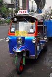 Tuk Tuk taxar transport i Bangkok, Thailand. Arkivbild