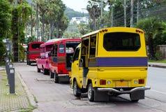 Tuk tuks i Phuket, Thailand Royaltyfria Bilder