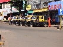 Tuk Tuks Margao Indien lizenzfreie stockbilder