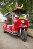 Tuktuk在城市居民和游人中是受欢迎 Thail 免版税库存照片