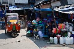 Tuktuk w dżonka rynku Zdjęcia Royalty Free