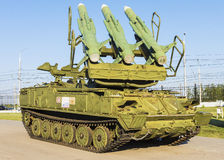 TULA, RUSIA - 8 DE AGOSTO: El lanzador automotor (defens del aire Foto de archivo