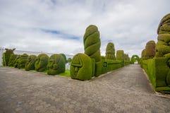 TULCAN, ΙΣΗΜΕΡΙΝΌΣ - 3 ΙΟΥΛΊΟΥ 2016: ο κήπος νεκροταφείων είναι διάσημος λόγω τρομερός topiary του Στοκ Εικόνες