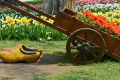 Tulip Garden avec le chariot de fleur image libre de droits