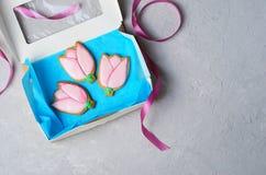 Tulip Gingerbread Cookies, galletas hechas a mano con Sugar Icing fotografía de archivo libre de regalías