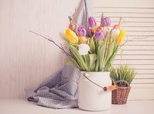 Tulipanes del color en el bastón Fotografía de archivo