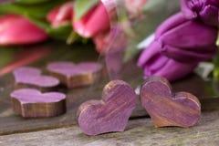 Tulipanes y corazones Fotos de archivo libres de regalías