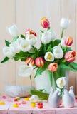 Tulipani della molla del mazzo di natura morta di Pasqua Fotografie Stock