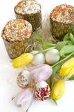Tulipano del dolce dell'uovo di Pasqua Immagine Stock