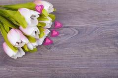Tulipas e corações bonitos Foto de Stock