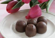 Tulips e chocolate fotografia de stock