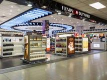 Tullfritt shoppar i Sri Lanka Bandaranaike den internationella flygplatsen Arkivbild