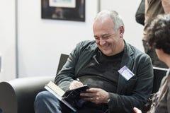 Tullio Avoledo Włoski powieściopisarz Dedykuje jego książkowego zdjęcie royalty free