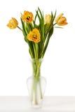 Tulpan gulnar röda orange Tulip Flowers In Vase Royaltyfri Foto