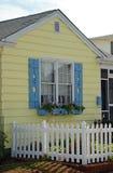 Tulpe-Häuschen-Fenster Lizenzfreie Stockfotos