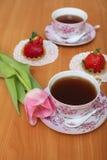 Tulpen en thee Stock Afbeeldingen