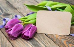 Tulpen met een kaart Royalty-vrije Stock Foto's