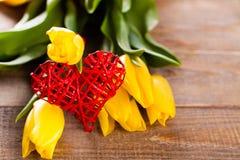 Tulpen mit Herzen Lizenzfreies Stockfoto