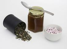 Tulse avec du miel et des vitamines Photographie stock