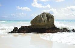 tulum βράχου παραλιών Στοκ εικόνες με δικαίωμα ελεύθερης χρήσης