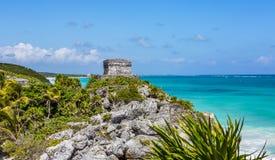 在Tulum的玛雅废墟在海滨del卡门,墨西哥附近 免版税库存图片