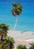 Tulum ha abbandonato la spiaggia caraibica Fotografia Stock Libera da Diritti