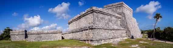 Tulum majowie rujnuje panoramę w Jukatan, Meksyk Zdjęcie Stock