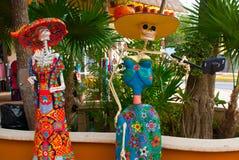 Tulum, Quintana Roo, Μεξικό: Τα αγάλματα της θεάς του θανάτου Catrina στην είσοδο στο αναμνηστικό ψωνίζουν Ο κύριος χαρακτήρας το Στοκ Εικόνες