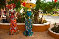 Tulum, Quintana Roo, Μεξικό: Τα αγάλματα της θεάς του θανάτου Catrina στην είσοδο στο αναμνηστικό ψωνίζουν Ο κύριος χαρακτήρας το Στοκ Φωτογραφίες
