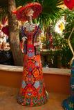 Tulum, Quintana Roo, Μεξικό: Τα αγάλματα της θεάς του θανάτου Catrina στην είσοδο στο αναμνηστικό ψωνίζουν Ο κύριος χαρακτήρας το Στοκ Εικόνα