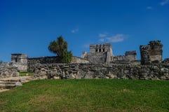 Tulum, ruínas maias além do mar das caraíbas Imagem de Stock