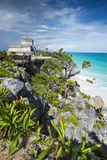 Tulum ruins and carribean sea Royalty Free Stock Photos