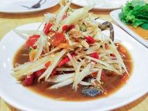 Tum Poo, ensalada tailandesa del som de la papaya con el cangrejo Imagenes de archivo