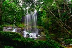 Tum Så-eller vattenfall Arkivbild