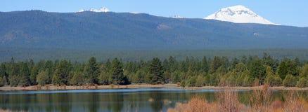 Tumalo水库在5月 库存图片