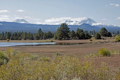 Tumalo水库在10月 库存图片