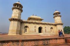 Tumba de Itimad-ud-Daulah en Agra, Uttar Pradesh, la India Fotografía de archivo