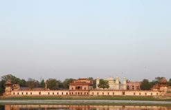 Tumba de Itimad-ud-Daulah, vista lateral del río Fotografía de archivo