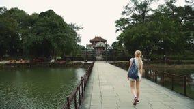 Tumba de Vietnam del emperador en Hue The Unesco Heritage almacen de video