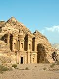 Tumba del monasterio - Petra, Jordania Foto de archivo libre de regalías