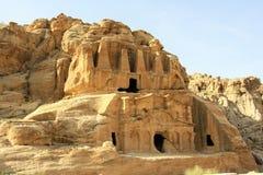 Tumba en el Petra, Jordania del obelisco fotografía de archivo