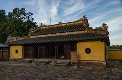 Tumba imperial de Dong Khanh en tonalidad foto de archivo