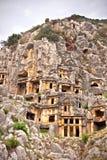 Tumbas del entierro de la roca de Lycian en Myra fotos de archivo