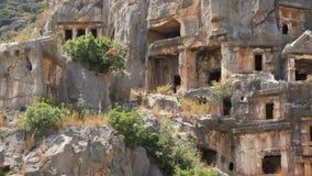 tumbas del Roca-corte de la necrópolis antigua de Lycian. Myra, Demre, Turquía almacen de metraje de vídeo