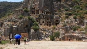 tumbas del Roca-corte de la necrópolis antigua de Lycian. Viejo nombre de Myra - Demre Turquía almacen de video