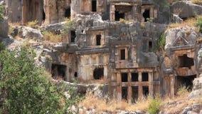 tumbas del Roca-corte de la necrópolis antigua de Lycian. Viejo nombre de Myra - Demre Turquía almacen de metraje de vídeo